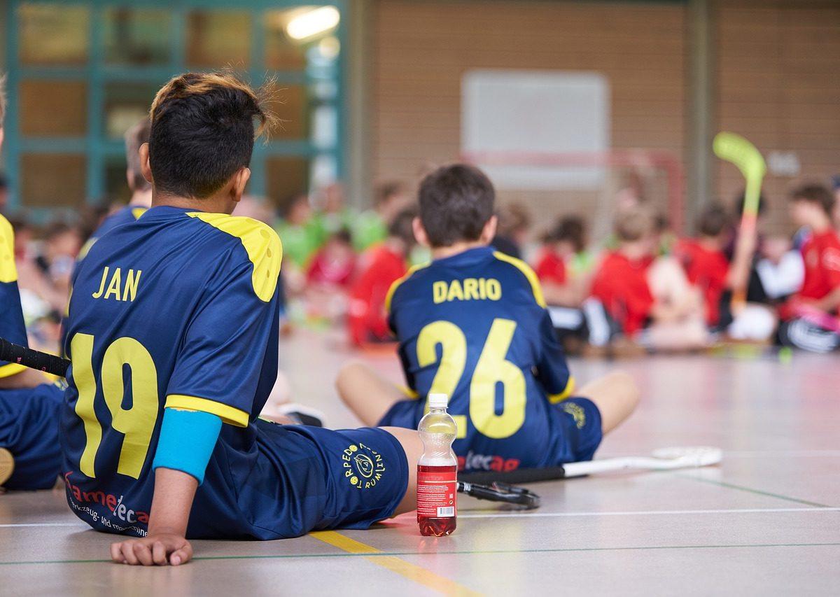 Hledáte moderní sport? Zkuste florbal