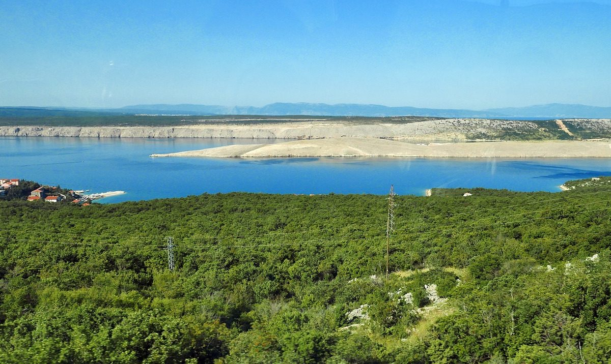 Ostrov Krk – Njivice (Chorvatsko dovolená)